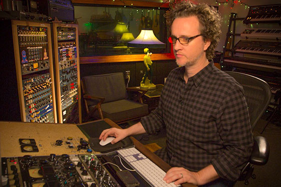 Join him in his own studio in Los Angeles to mix from scr...