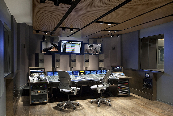 3D Audio Research Lab; 10.2 Surround Sound; 25-Seat Contr...