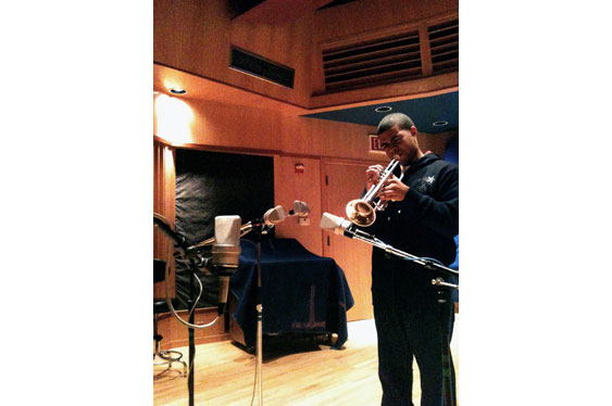 Four Neumann TLM-103s are used to record a trumpet. Sound examples 17-20 were made this way.