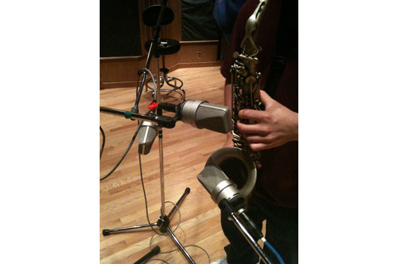 Four Neumann TLM-103s are used to record alto sax. Sound examples 25-28 were made this way.