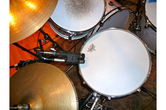 The snare top mics  (Shure SM57 and AudioTechnica Pro37).