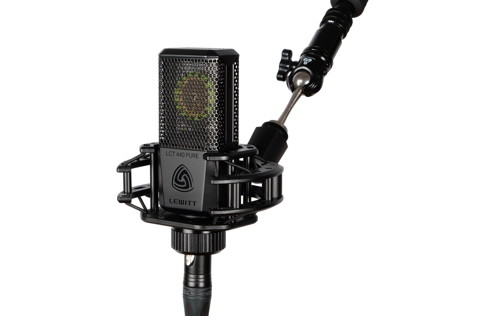 The LCT 440 PURE comes nicely equipped for an entry-level mic.